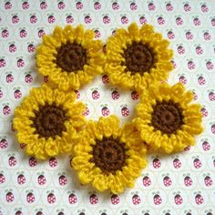 Crochet Sunflower Appliques...these look like Brown-Eyed Susans, too.
