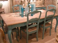 painted dining table but teal instead of green Blue Dining Tables, Painted Dining Room Table, Furniture Dining Table, A Table, Painted Tables, Dining Area, Diy Furniture Projects, Home Furniture, Turquoise Table