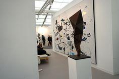 Secundino Hernández and Conrad Shawcross at Victoria Miró #FriezeLondon2015 #Frieze #FriezeArtFair #London #FeriaArte #ArtFair #ArteContemporáneo #ContemporariArt #Art #Arte #Arterecord 2015 https://twitter.com/arterecord