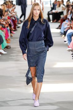 Tibi Spring 2018 Ready-to-Wear Collection Photos - Vogue