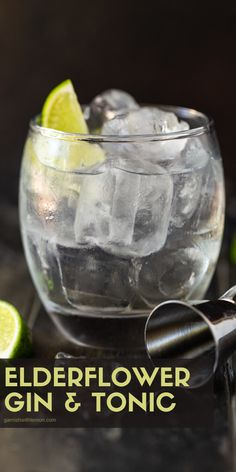 Add some summer flair to your conventional gin and tonic happy hour cocktail with this uber-refreshing Elderflower Gin and Tonic! #gin #cocktails #drinks #happyhour #ginandtonic Gin Martini Recipe, Batch Cocktail Recipe, Martini Recipes, Gin Cocktail Recipes, Martinis, Fun Drinks Alcohol, Fun Cocktails, Yummy Drinks, Triple Sec Cocktails