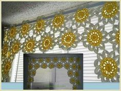 closet for crocheted napkin: ستارة كروشية من ورود مسطحة.crocheted curtains
