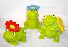 Grasslands Road Frog Figurines with Flowers Set of 3 455316