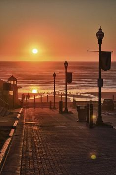 ​A surreal sunset at Nye Beach, Oregon. #USAtravel #beachvacationsinUSA #traveldestinations2015