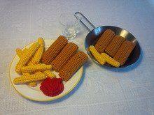 gehäkelte Rezepte: Fischstäbchen mit Pommes