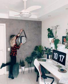 como fazer parede de cimento queimado DIY passo a passo Home Office Design, Home Office Decor, Home Decor Bedroom, House Design, Diy Storage Ideas For Small Bedrooms, House Inside, Aesthetic Room Decor, New Room, Decoration