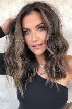 Cute Medium Length Haircuts, Medium Length Wavy Hair, Medium Hair Cuts, Medium Hair Styles, Long Hair Styles, Brown Shoulder Length Hair, Hair Cuts Thick Hair, Medium Thick Hair, Short Haircuts Shoulder Length