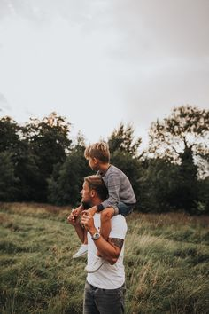 Father and son, natural family photographer, Tontnes Devon, uk - Vater Father Son Photography, Baby Boy Photography, Children Photography, Photography Poses, Lifestyle Photography, Family Picture Poses, Family Photo Sessions, Family Posing, Family Portraits