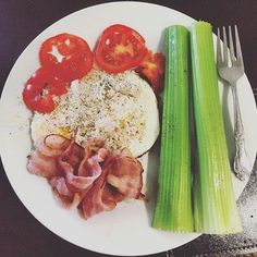 From @mmaphillip Eggs with Bacon Tomatoes and Celery Saturday Morning Breakfast   Ketogenic Diet   #keto #ketomeals #lchf #lowcarb #highfat #atkins #bestdietever #whatdiet #fatisfuel #ketogenic #kcko #eatfatloseweight #lowcarbhighfat #ketosis #ketocooking #lowcarbcooking #lowcarbliving #ketoliving #ketofoods #xxketo #ketodiet #ketodinner #weightloss #lifestylechange #ketofitguide #ketofitchallenge
