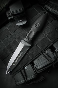 I like this knife.