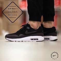 #nikeairmax #ultramoire #sneakerbaas #baasbovenbaas  Nike Air Max 1 Ultra Moire- The simple black/white colorway makes this AM1 Ultra a real classic.  Now online available | Priced 144,99 Euro! | Size 39 EU - 48.5 EU.