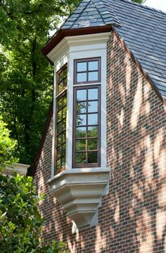Nice detailing on window bay  |  William T. Baker