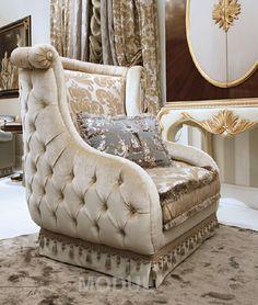 Королевское кресло Bruno Zampa Carlos-Regal - это настоящий дворцовый трон! Утонченная работа итальянских мастеров фабрики Bruno Zampa видна невооруженным взглядом. Такое кресло достойно занять место в самой роскошной обстановке. Порадуйте себя эксклюзивной мебелью из Италии, купить которую можно в Москве в Салоне мебели и света MODUL.