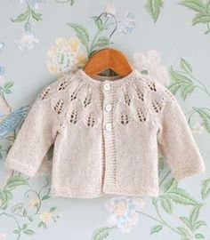 Baby Cardigan Knitting Pattern, Knitted Baby Cardigan, Knitted Baby Clothes, Baby Knitting Patterns, Lace Knitting, Knitting For Kids, Crochet For Kids, Crochet Baby, Knit Crochet