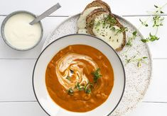 Tomatsuppe med nudler – skøn opskrift serveres med godt brød til Baby Food Recipes, Food Baby, Snack, Recipe Box, I Foods, Thai Red Curry, Crockpot, Dinner, Ethnic Recipes