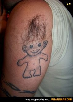 Los tatuajes más feos del mundo: Duende con pelo.