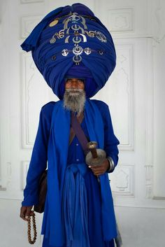 A SIKH...Respect!! #sikh #amazing #art #love #beautiful #menswear #style #color #thinkoutsidethebox  WWW.AFROSTYLEMAG.COM