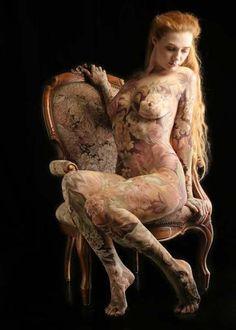 Body-painting.