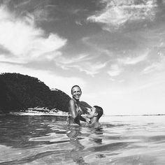 Un mes para estar aquí  por tercer año consecutivo tengo la suerte de poder viajar a Bali mi destino favorito hasta el momento para hacer lo que más me apasiona ... @petraswimwear !!! Cada año intento explorar la isla pero todavía me quedan tantas cosas por aprender y lugares por visitar... Si alguien ha estado y tiene alguna recomendación sería la  Buenas nochessss by babibalublog