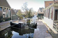 Afbeelding van http://www.refdag.nl/polopoly_fs/de_gerenoveerde_zeventiende_eeuwse_sluis_van_het_noord_hollandse_de_rijp_wordt_zaterdag_opnieuw_in_gebruik_genomen_1_12416!image/2976005173.jpg.