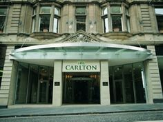 Ideally located on the Royal Mile, minutes from Princes Street and the legendary Edinburgh castle, the Carlton Hotel is centrally located in Edinburgh with spacious rooms and excellent facilities. Edinburgh is a fascinating city. Carlton Hotel, Spa Breaks, Edinburgh Castle, Luxury Hotels, Spa Day, Countryside, Rooms, Mansions, Street