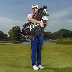 We think it's safe to say Justin Thomas loves the 2020 Titleist Tour Bag as much as we do😁🔥 Styled and designed based on feedback from tour players and their caddies, the new bags are a distinct and modern upgrade featuring a perfect blend of performance elements and luxurious detail.👌 Get yours now from eGolf Megastore.⛳ Hurry! Stock is very limited. Justin Thomas, New Bag, Golf Bags, Sports And Politics, Things To Think About, Jet, Tours, Detail, Black
