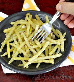 Fasole verde cu usturoi - de post/vegan Vegetarian Recipes, Tableware, Kitchen, Food, Cucina, Dinnerware, Cooking, Dishes, Essen