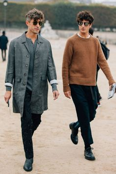 Dan Roberts snapped the best men's street style from the just-wrapped women's wear Spring 2018 season. Dan Roberts snapped the best men's street style from the just-wrapped women's wear Spring 2018 season. Best Men's Street Style, Cool Street Fashion, Most Stylish Men, Stylish Mens Outfits, Stylish Man, Stylish Clothes, Casual Outfits, Mode Masculine, Moda Fashion