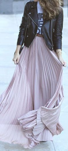 Fall trends | Messaging shirt, leather jacket and pastel pleated maxi skirt