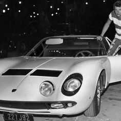 Johnny Hallyday, toujours fan de voitures !