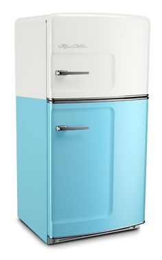 Big Chill Retro Fridges keeps your food cold and your kitchen looking cool. A retro refrigerator can look incredible in a modern kitchen, if you can find one and pay the hefty price for restoration. Big Chill offers the look of a retro refrigerator with all of the modern amenities of today's refrigerators. Our Original Size Big Chill retro refrigerator has a classic pivoting handle and stamped metal body, just like they used to make them. Choose this Beach Cruiser! #bigchill