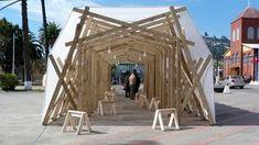 Galería de Pabellón Lebulense por Estudio Invasivo: haciéndose parte de lo cotidiano | Pavilion | 1:50 | Wood Structure Pavilion | Textil Cover | Urban Pavilion | Flat Land | Horizontal Circulation |