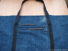 Recycle Old Jeans into a Beautiful Zippered Bag (5)