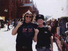 awesome AC/DC в России выступили ровно 26 лет назад