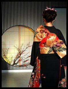 Zafer Dede • world-ethnic-beauty:   Kimono