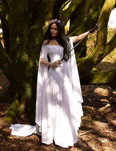 Fae of the Falls Gown from onmaiden-gothic-.uk Fae of the Falls Gown - medieval elven arthurian dress by Moonmaiden Gothic Clothing Viking Wedding, Medieval Wedding, Celtic Wedding, Elven Wedding Dress, Renaissance Wedding Dresses, Wiccan Clothing, Gothic Clothing, Gypsy Clothing, Renaissance Clothing