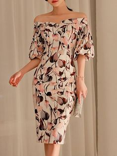 Buy Midi Dress For Women from Fantasyou at Stylewe. Online Shopping Stylewe Plus Size Off Shoulder Multicolor Midi Dress Going out Dress Balloon Sleeve Vintage Printed Floral Dress, The Best Going out Midi Dress. Discover unique designers fashion at style Linen Dresses, Casual Dresses, Fashion Dresses, Midi Dress With Sleeves, Floral Midi Dress, Floral Dresses, Maxi Dresses, Party Dresses, Evening Dresses
