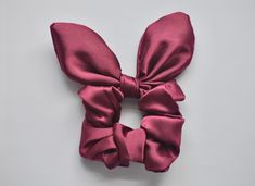 Bow Scrunchie - - Beauty Makeup Page - Purple Bow Scrunchie - Purple Bow Scrunchie - -Purple Bow Scrunchie - - Beauty Makeup Page - Purple Bow Scrunchie - Purple Bow Scrunchie - - The 11 Best Hair Scrunchies Bobby Pin Hairstyles, Headband Hairstyles, Diy Hairstyles, Hairstyle Ideas, Diy Hair Scrunchies, Hair Scarf Styles, Accesorios Casual, Twist Headband, Hair Accessories For Women