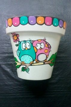 """El arte es, sobre todo, un estado del alma"". Flower Pot Art, Flower Pot Design, Flower Pot Crafts, Clay Pot Projects, Clay Pot Crafts, Painted Clay Pots, Painted Flower Pots, Plant Painting, Diy Painting"