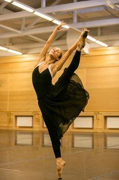 Emotion AND technique, Ekaterina Shipulina from the Bolshoi for Dance Magazine