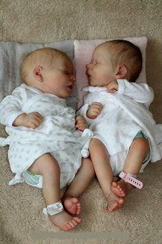 b/g twins Reborn Baby Dolls Twins, Bb Reborn, Baby Dolls For Kids, Life Like Baby Dolls, Life Like Babies, Baby Alive Dolls, Silicone Reborn Babies, Silicone Baby Dolls, Newborn Baby Dolls