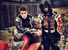 Justin and his pal Lil' Twist snapped a pic of themselves after spending the day riding four-wheelers together. #Justin