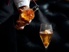 London's best molecular mixology bars Looking for that extra special cocktail? Find a place that looks at all the details of a drink, from its visual appearance, smell, taste and the over all experience right here in London. Here is a lis