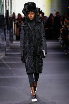 Fur Fashion, Winter Fashion, Fashion Show, Fasion, Runway Fashion, Fall Outfits, Summer Outfits, Casual Outfits, Moncler