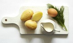 Koprová omáčka se ztraceným vejcem a novými bramborami, Foto: archiv Gurmet