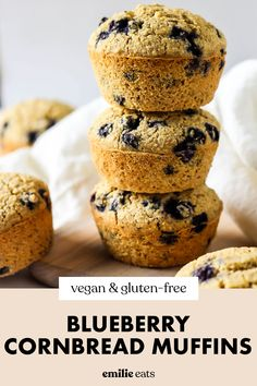 Enjoy these Blueberry Cornmeal Muffins for breakfast or as a side! This blueberry cornbread recipe is fluffy and full of juicy blueberries! Best Gluten Free Desserts, Vegan Dessert Recipes, Vegan Breakfast Recipes, Fruit Recipes, Vegan Recipes Easy, Blueberry Cornbread, Vegan Cornbread, Cornbread Muffins, Gluten Free Blueberry