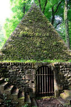The Désert de Retz is a ruined French garden in Chambourcy, France. http://en.wikipedia.org/wiki/D%C3%A9sert_de_Retz