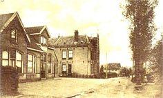 De Hamersveldseweg met het Ros Beijaardt, de bijbehorende schuur en het klooster.