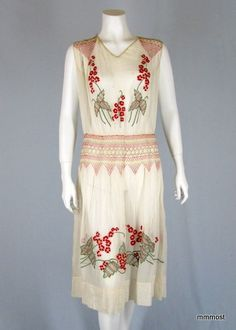 Amazing hand embroidered vintage 1920s Flapper Dress