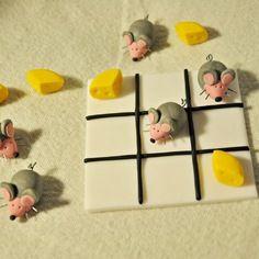 Magnifique jeu de morpion en pâte fimo, souris et fromages